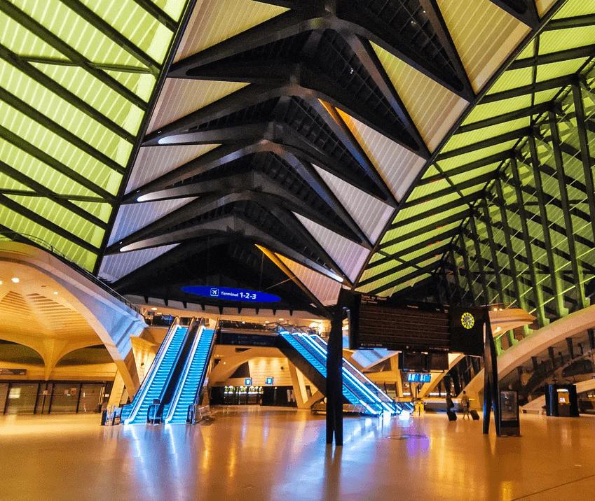 Nuit à l'aéroport de Lyon