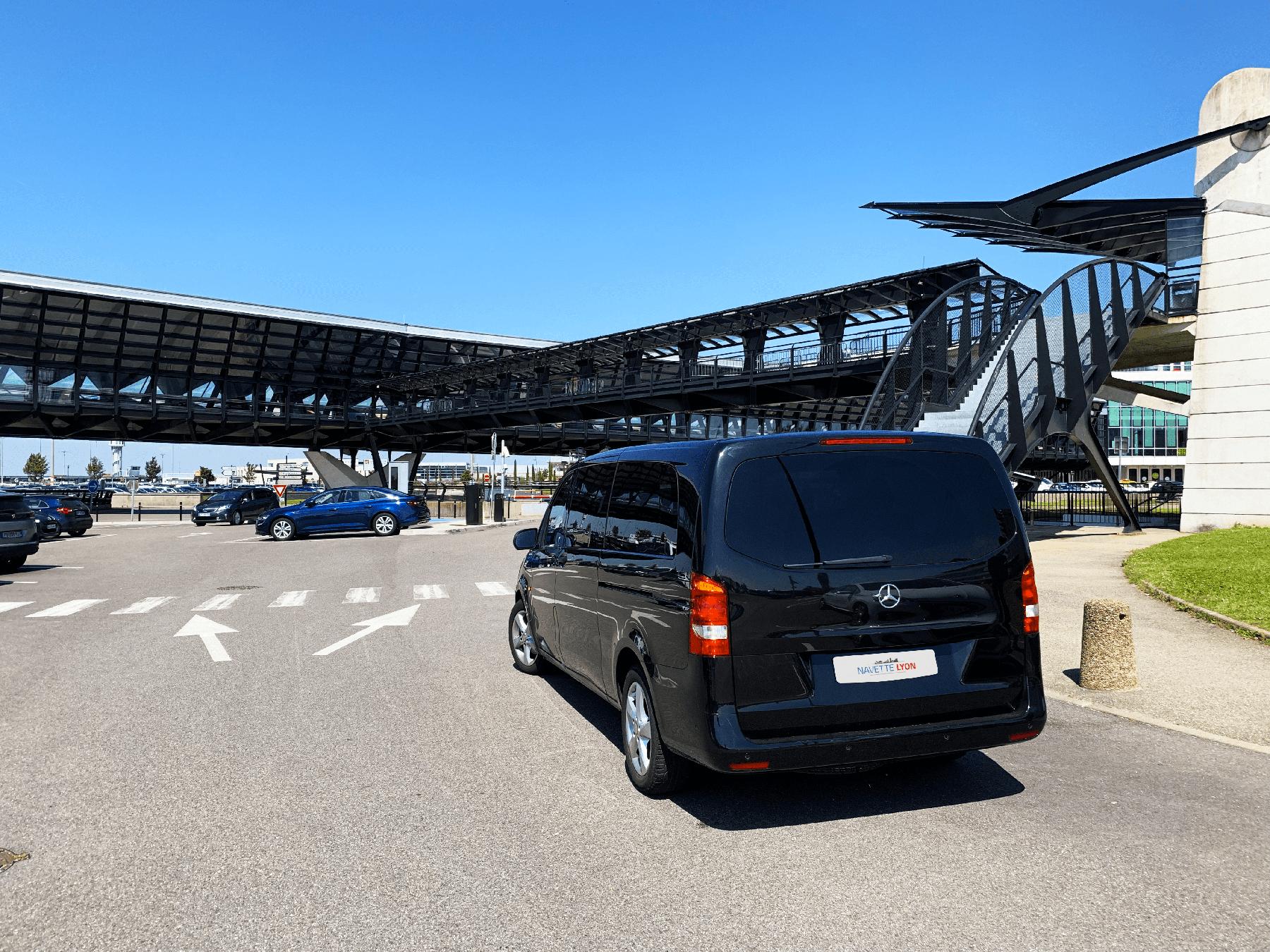 Minivan Navette Lyon Aéroport
