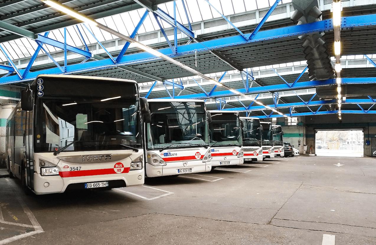 Plusieurs bus TCL